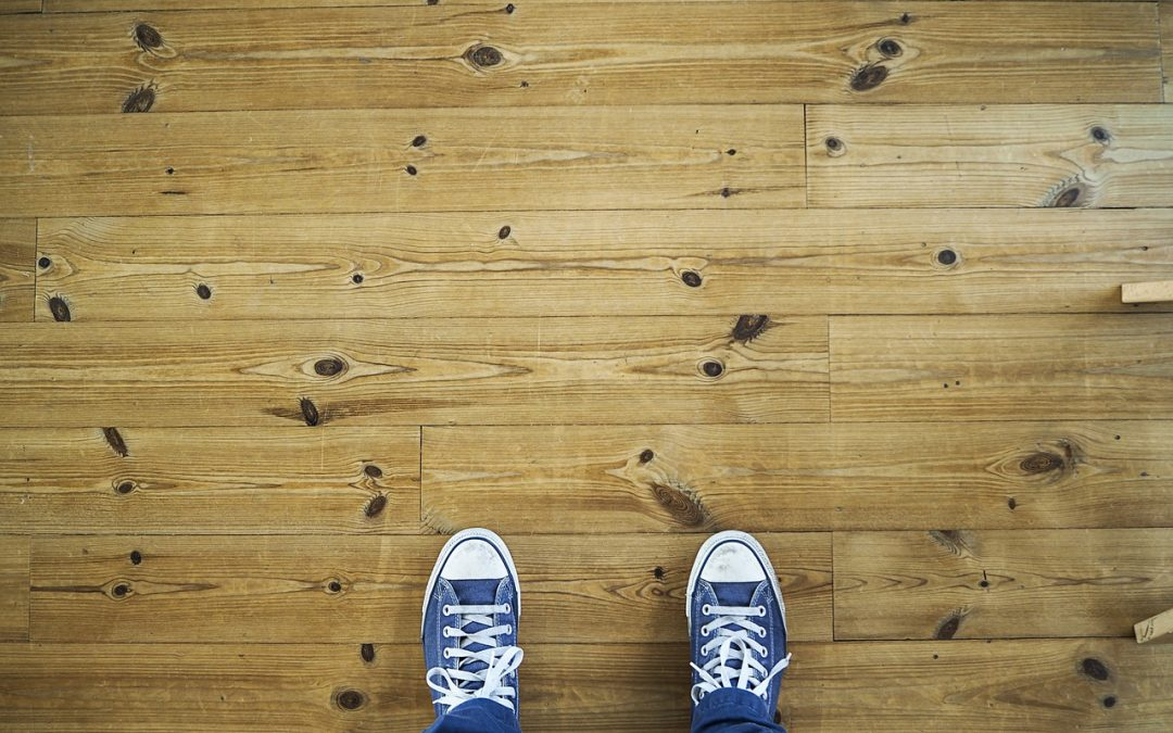 Laminating Flooring: 10 Styles of Flooring Looks Homeowners Love